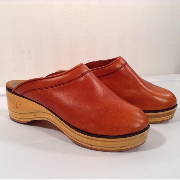 e586e88078830 Vintage 70's Frye Leather Wooden Clogs Size 8